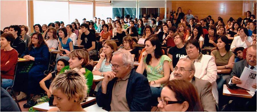 Encontro de Professores de Língua Portuguesa, suas Literaturas e Culturas