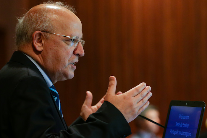 Português oferecido no currículo de 25 países e Governo quer aumentar