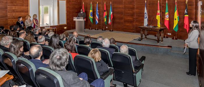 Financiamento do Instituto de Língua Portuguesa é fundamental