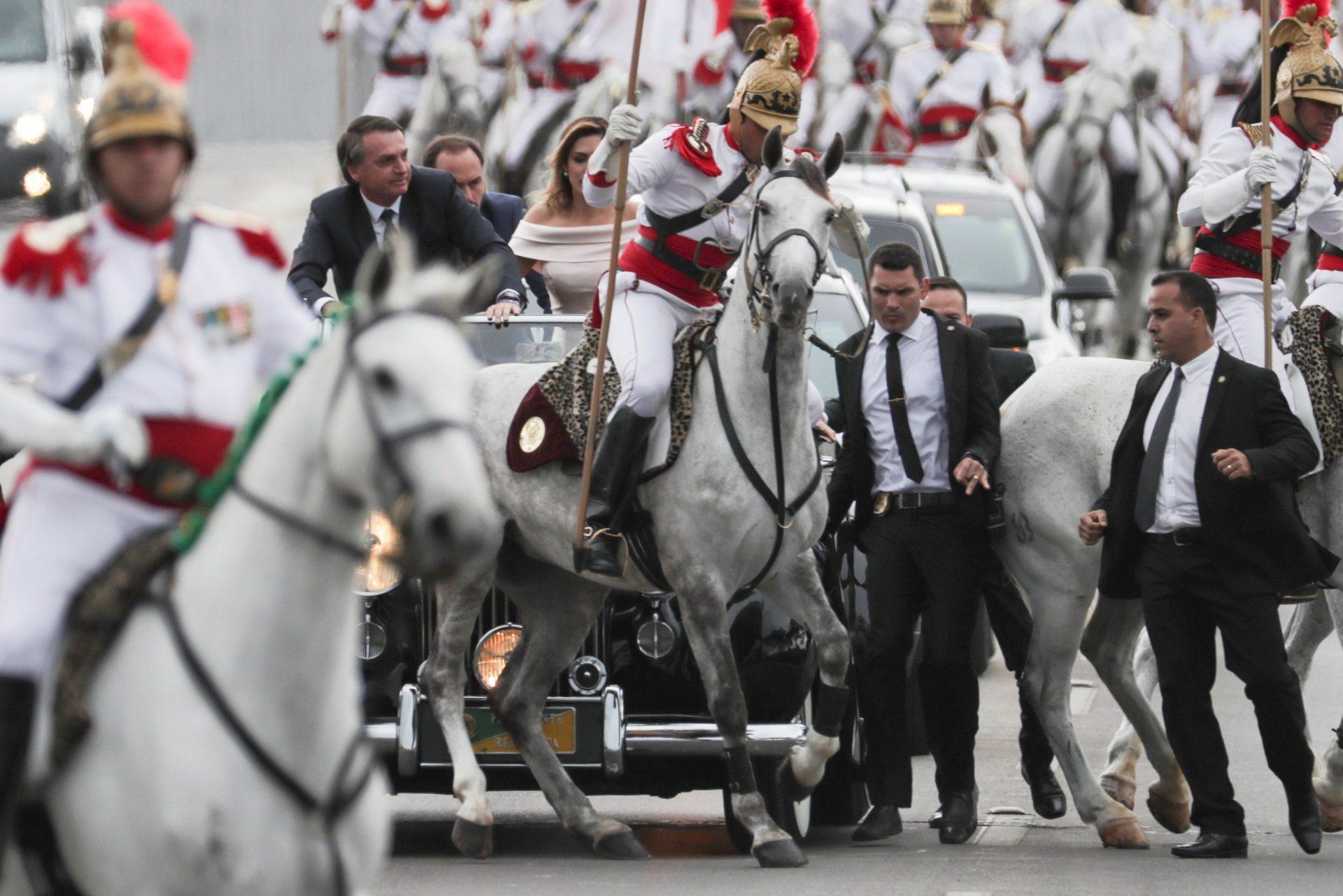 """Bolsonaro diz que """"Portugal é um país irmão"""" e que prioriza relação com países da CPLP"""