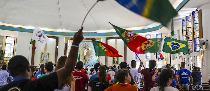 Peregrinos de língua portuguesa fazem a 'fiesta' na Cidade do Panamá