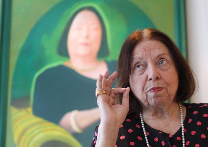 Nélida Piñon reverencia o português e espanhol