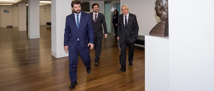 Ministro da Educação diz que língua portuguesa é diferenciadora para quem a domina