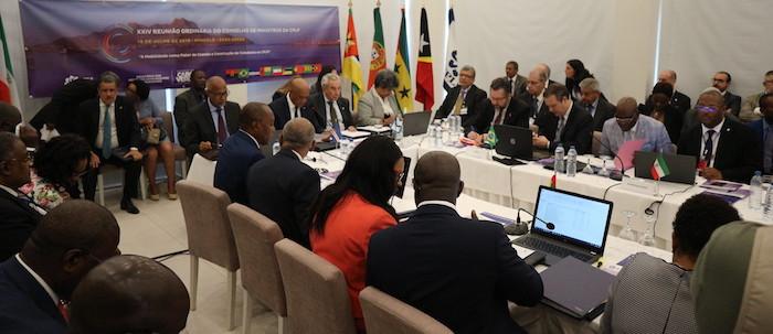 "CPLP é ""prioridade total"" para o Brasil no plano internacional"
