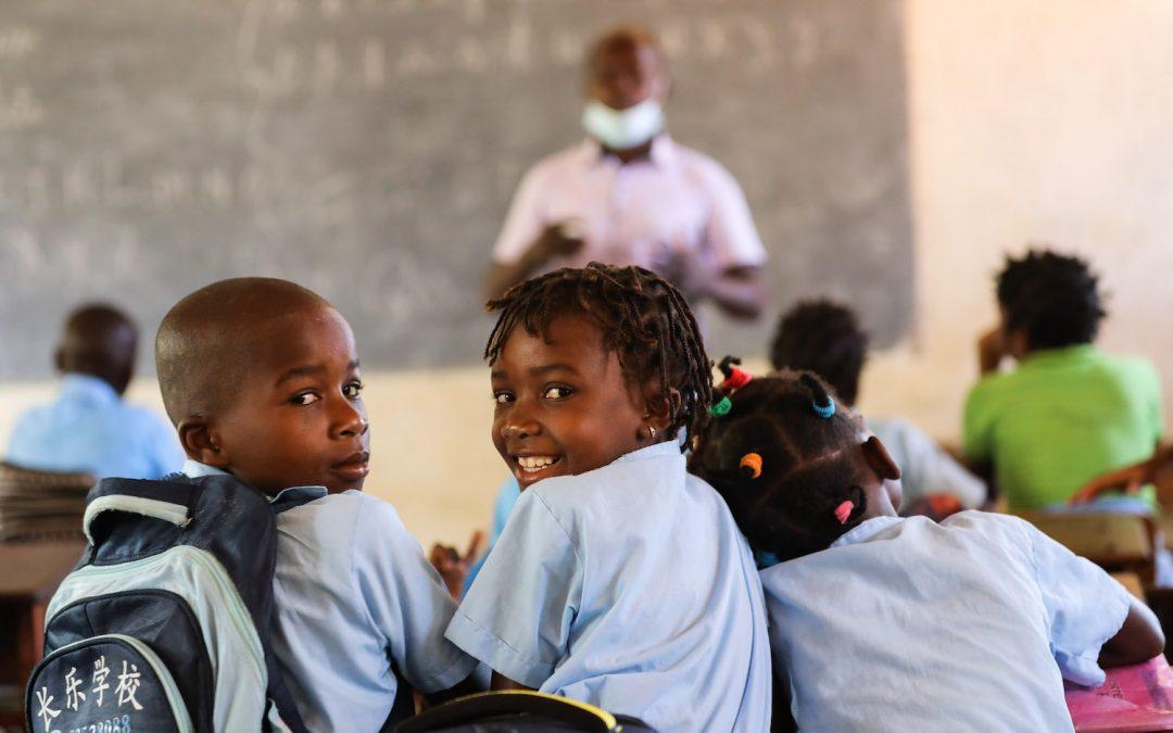 Violência converteu Mondelane em professor que dá aulas a crianças deslocadas