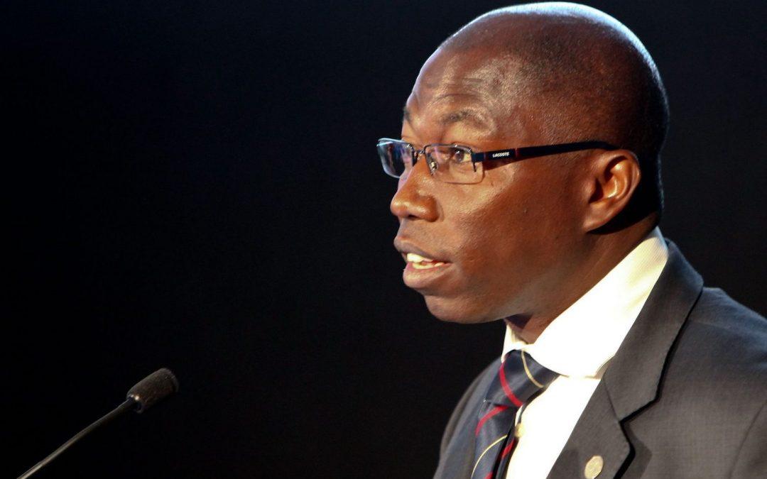 """PGR guineense pede levantamento de imunidade de líder do PAIGC, advogados contra """"perseguição política"""""""
