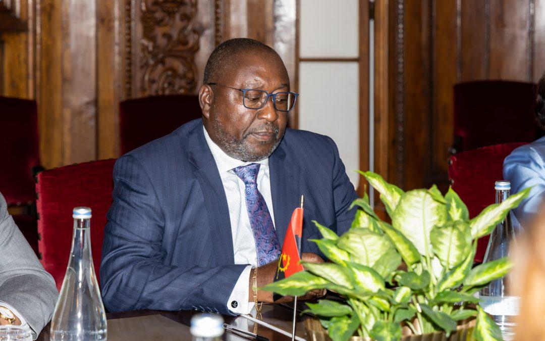 Embaixador Oliveira Encoge é Representante Permanente de Angola junto da CPLP